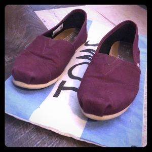 Wine color  women's Toms.
